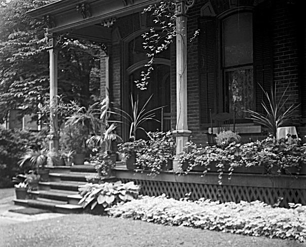 61 East Avenue South. Dixon House plantings